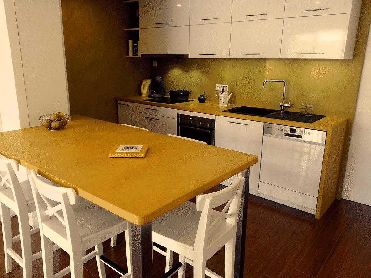 Le béton ciré dans la cuisine pour le plan de travail à Rennes